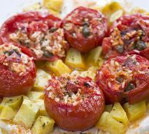 Pieczone pomidory faszerowane szpinakiem