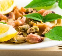 Sałatka z małżami w winnym sosie