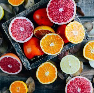 Szybka nalewka na 3 cytrusach: grejpfrut, pomarańcza i cytryna na święta