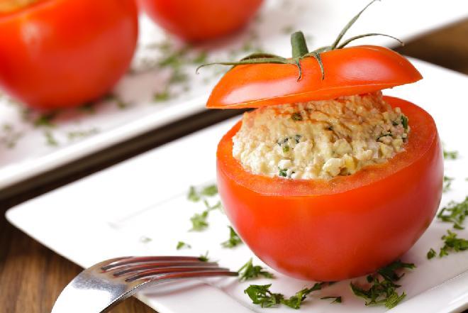 Pomidory faszerowane jajkami: przepis