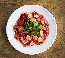 Słodko-ostra papryka duszona z czosnkiem - wyrazisty dodatek do obiadu