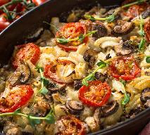 Schabowe pieczone z ziemniakami i grzybami po włosku: przepis na nieziemsko pyszne kotlety