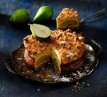 Niesamowicie pyszny sernik z gruszkami i chrupiącą kokosową kruszonką