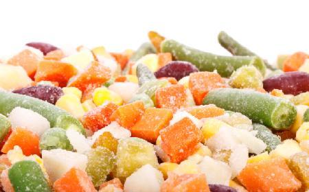Jak mrozić warzywa? Jak zatrzymać smaki lata w zamrażarce?
