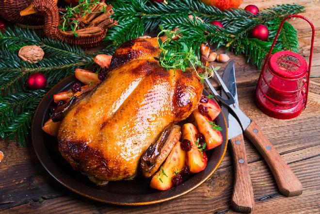 Pieczona kaczka na święta: TOP 10 nowych przepisów na świąteczną kaczkę